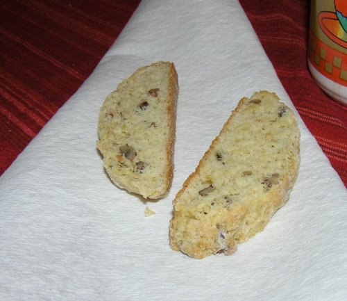 banana-biscotti-close