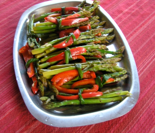 Marinated asparagus bundles